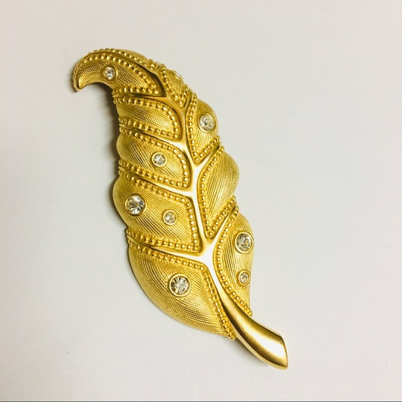 NWOT Swarovski Feather Shape Gold Tone Brooch Pin